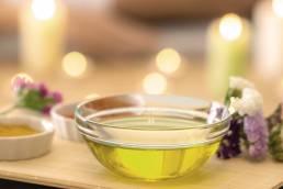 aromatic oil bath, ayurvedic massage