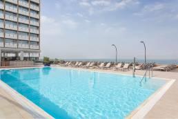 בריכת המלון של מלון שרתון תל אביב המוצעת לאורחי הורייזון ספא